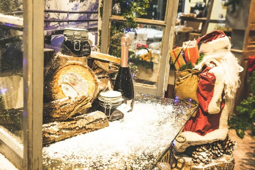 vetrina natalizia per gastronomia