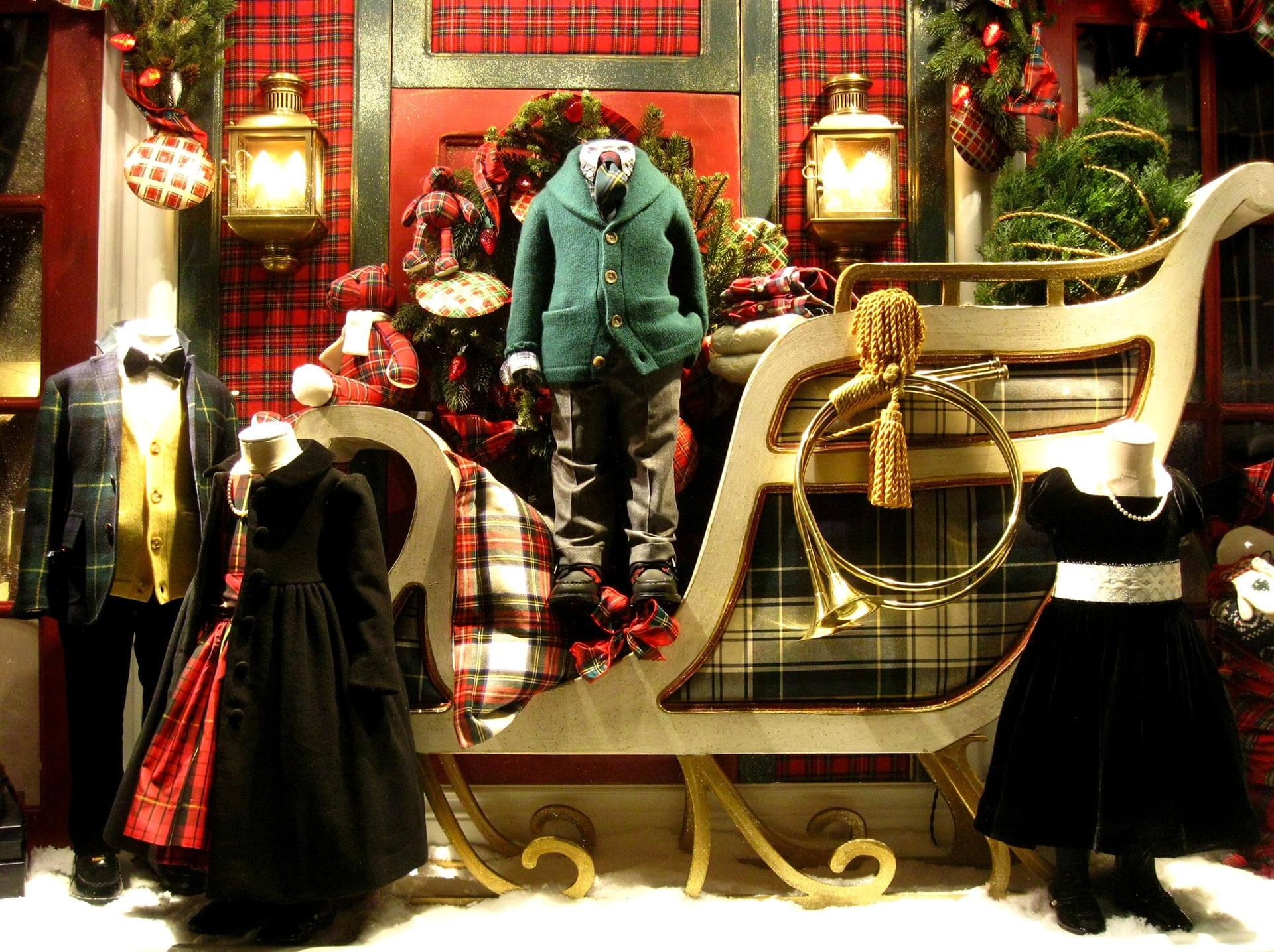 Vetrine Di Natale Abbigliamento.Idee Per Vetrine Natalizie Originali Per Abbigliamento