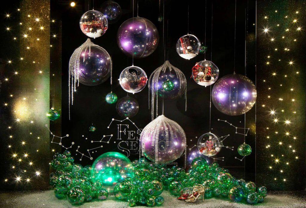 Decorazioni Natalizie Anni 70.Vetrine Natalizie Idee Per Allestire Vetrine Di Natale Da Urlo
